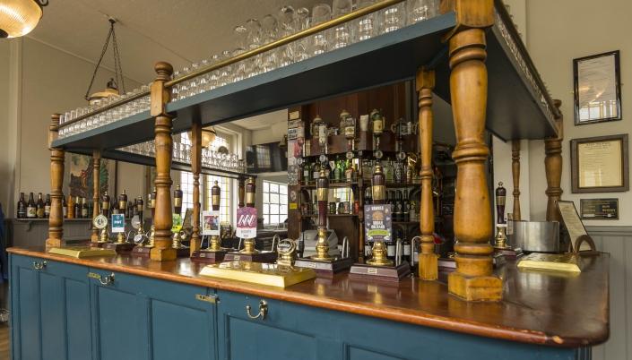 The Mitre TW9 Bar
